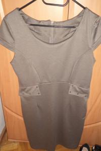 Sukienka dopasowana kieszonki