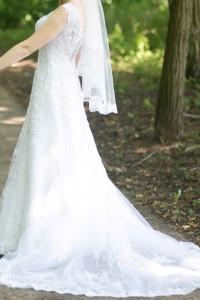 Suknia ślubna z podpinanym trenem biała...