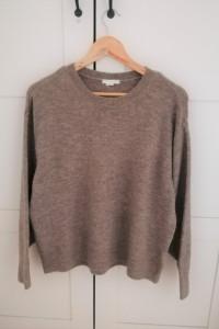 Kawowy sweterek H&M...