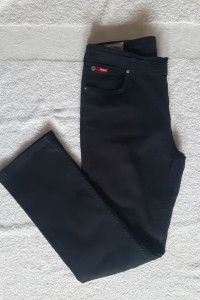 Czarne bawełniane spodnie Lee Cooper...