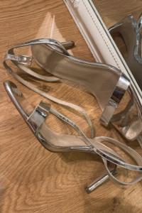 Sandały srebrne holograficzne na obcasie ASOS 39