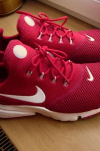 Nike Presto Fly czerwone rozmiar 41...