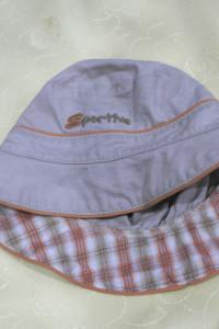 Dwie czapeczki kapelusiki 48cm