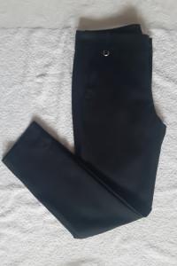 Czarne spodnie Zara Basic...