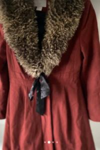 Płaszcz h&m burgundowy z etolą...