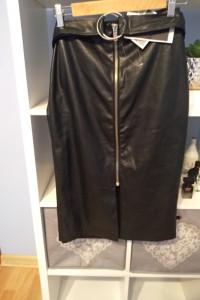 Nowa spódnica Stradivarius