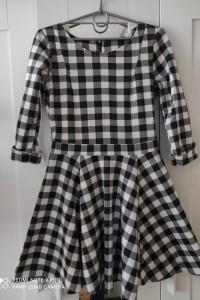 Sukienka w kratę S