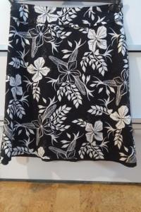 Spódnica H&M rozmiar 40 w kwiaty czarno biała...