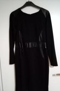 Czarna sukienka z wstawkami z ekoskory