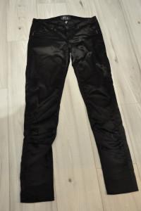 Czarne satynowe spodnie...