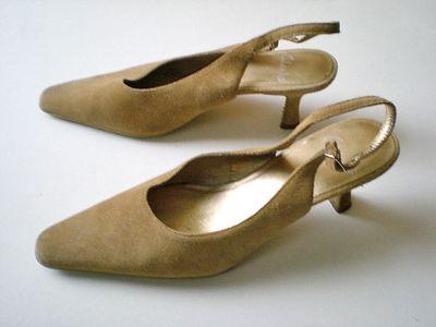 Szpilki Pantofle z odkrytą piętą 395