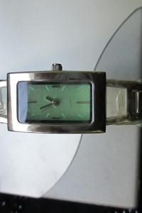 Duży zegarek damski