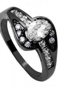 Nowy czarny pierścionek białe cyrkonie czerń dark goth retro
