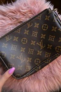 torebka Louis Vuitton...