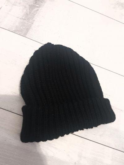 Nakrycia głowy Czarna klasyczna czapka