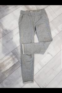 Spodnie dresowe Sinsay...