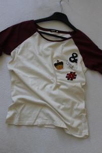 biało bordowa koszulka sinsay s