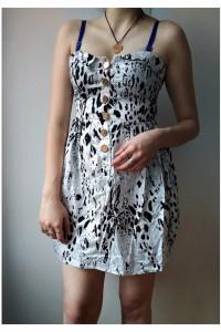Sukienka w plamki Amisu...