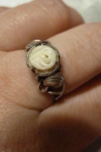 pierścionek srebrny biała róża...