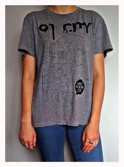 T-shirt Szara koszulka Cropp
