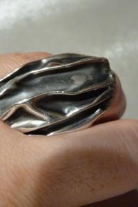 pierścionek srebrny marszczony...