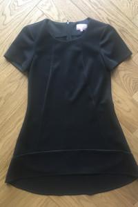 Krótka czarna sukienka