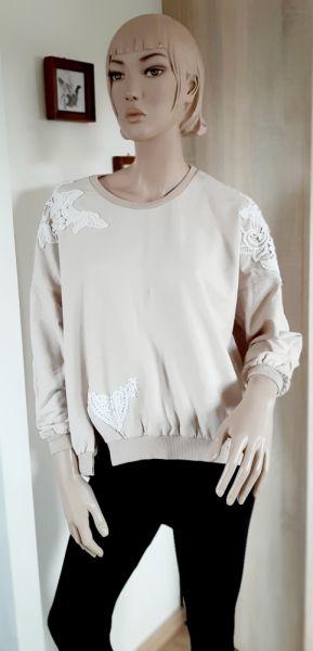 Bluzy Beżowa bluza oversize