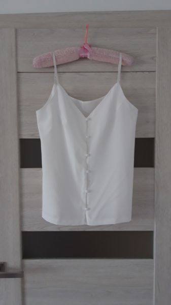 Bluzki Białą bluzka na ramiączkach