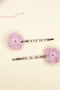 Wsuwki z szydełkowymi kwiatuszkami...
