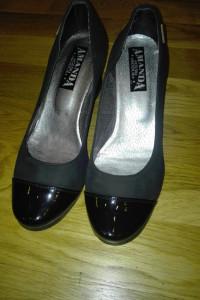 pantofle 37...