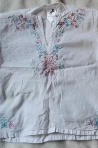 Śliczna bluzeczka mgiełka haft kwiaty r 110