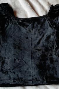 Welurowa śliczna bluzeczka czarna 116 122