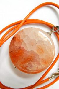 Pomarańczowy agat pajęczy piękny kamień wisiorek...
