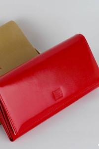 Damski portfel z naturalnej skóry Nicole