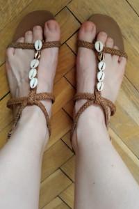 Sandały klapki w muszelki