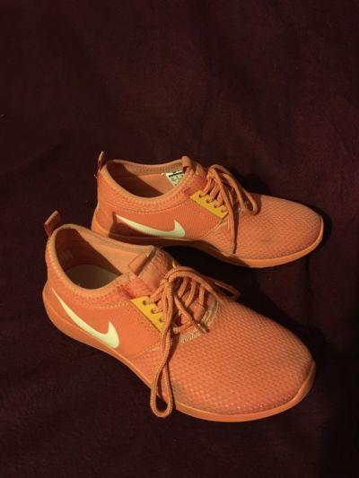 Sportowe Nike fluo fluorescencyjne pomarańczowe pomarańcz adidasy trampki tenisówki buty do biegania