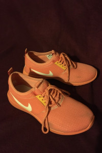 Nike fluo fluorescencyjne pomarańczowe pomarańcz adidasy trampki tenisówki buty do biegania