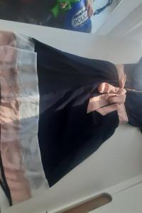 Piękna sukienka w bardzo dobrym stanie XL