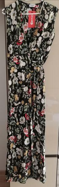 Suknie i sukienki Sukienka czarna w duże polne kwiaty 34