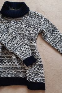 Ciepły miękki pleciony sweter oversize biały kremowy granatowy ...