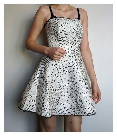 Suknie i sukienki Piankowa sukienka rozkloszowana