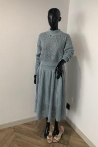 Piekny mietowy komplet sweterek plus spodnica one size