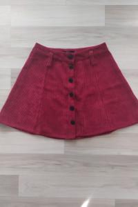 Krótka bordowa spódniczka na guziki Bershka S...