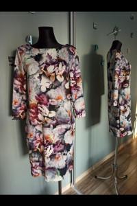 Sukienka Mohito w kwiaty XL