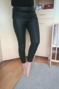 Spodnie rurki woskowane skórzane skóra czarne zasuwane topshop 38 M