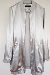 Bluza bomberka szara dluga srebrna satynowa zasuwana L 40 M 38
