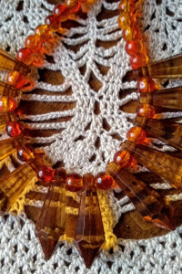 Miodowy naszyjnik kolia