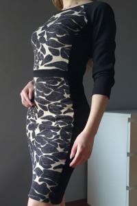 Sukienka midi ołówkowa...