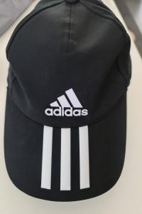Czapka bejsbolówka marki Adidas...