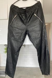 Rue Femme spodnie joggersy eko skóra skórzane zamki zip...
